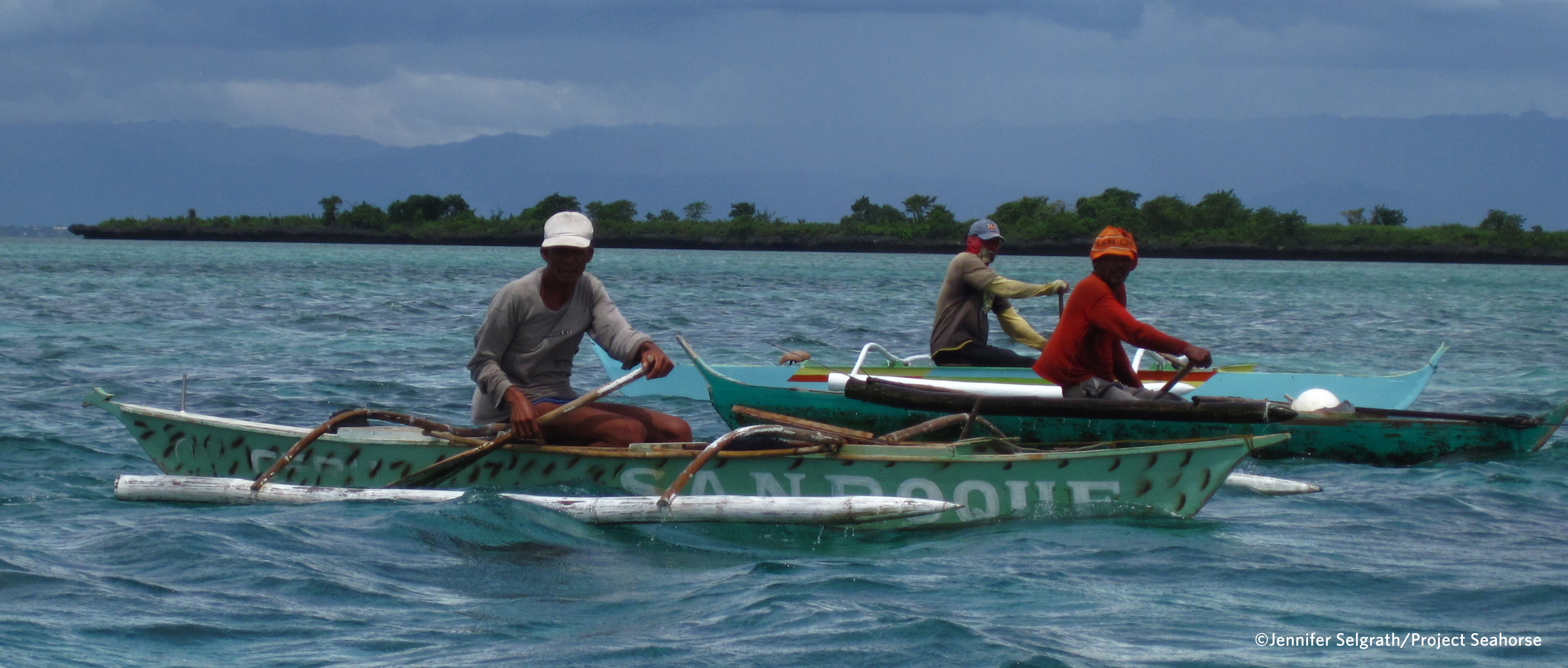 Hand line fishers on Danajon Bank